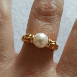 Jewelry - Gorgeous pearl ring